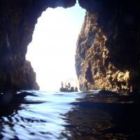 Semi sunken cave - Ημιβυθισμένο σπήλαιο